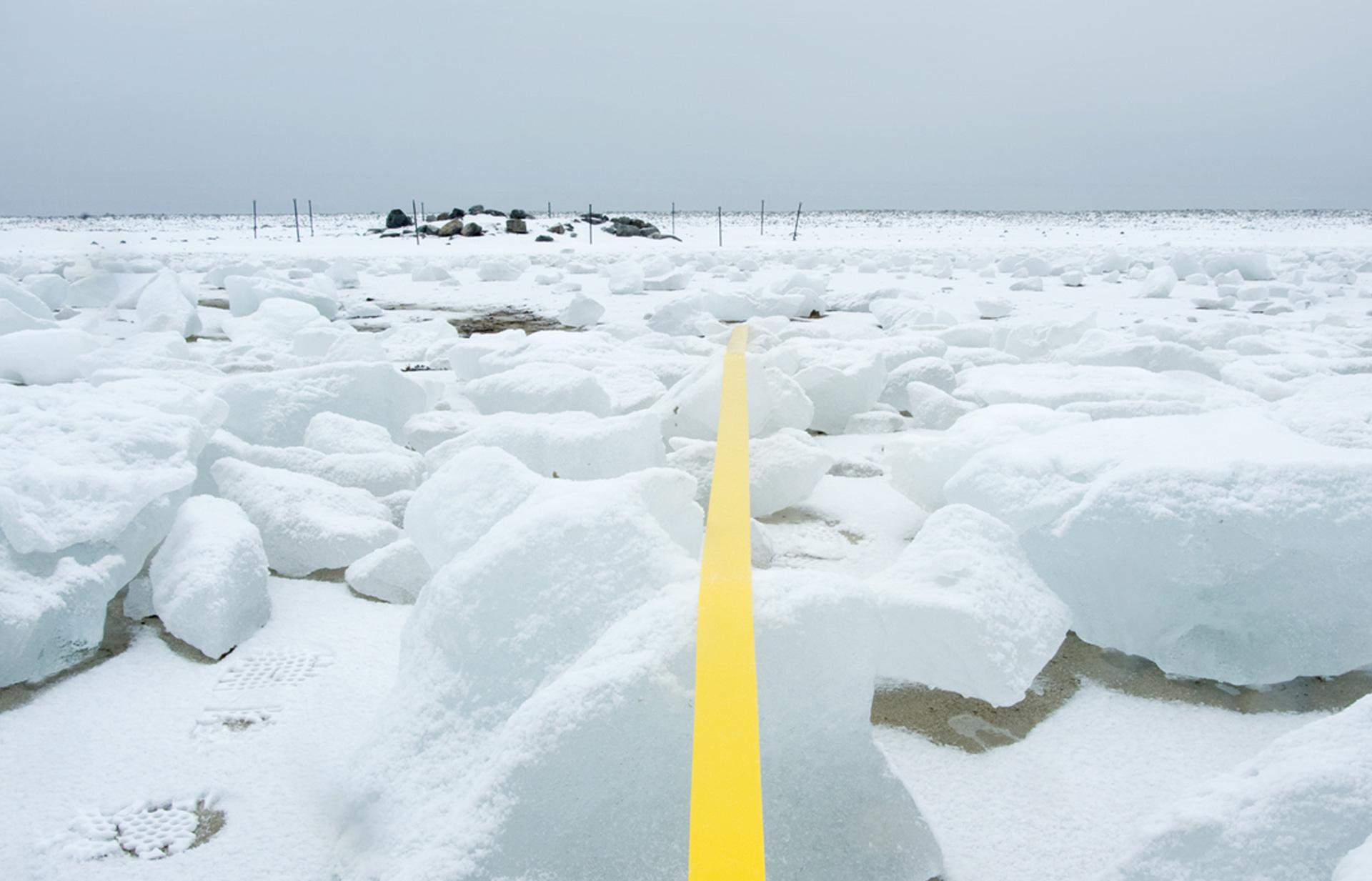 Arctic Line : A line in the arctic marcelomoscheta